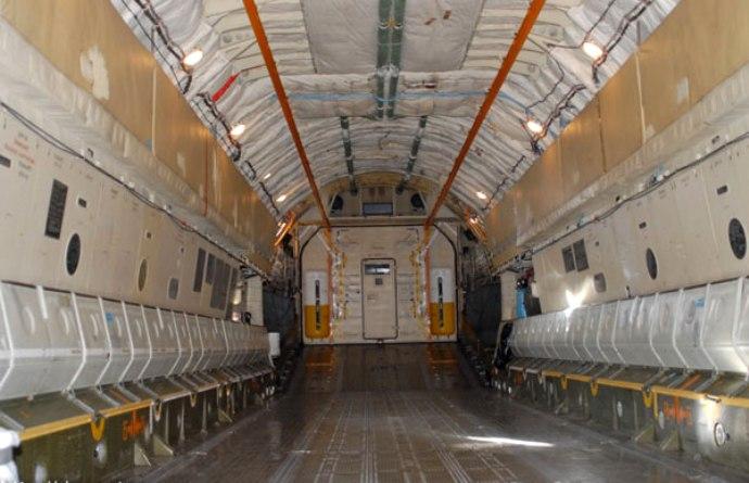 il-76-salon-gruzovoj