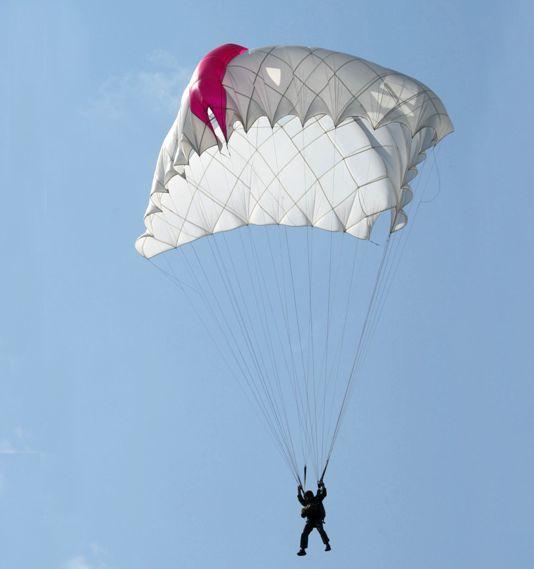 desantnyi-parashut-d-12